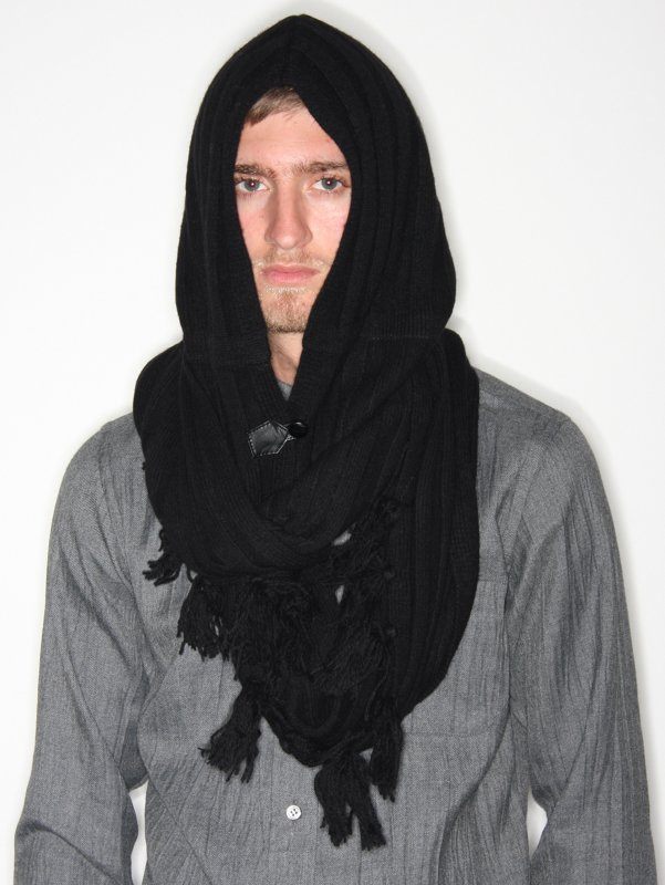 ndg0111blk_01?Nom%20De%20Guerre%20Hooded%20Scarf